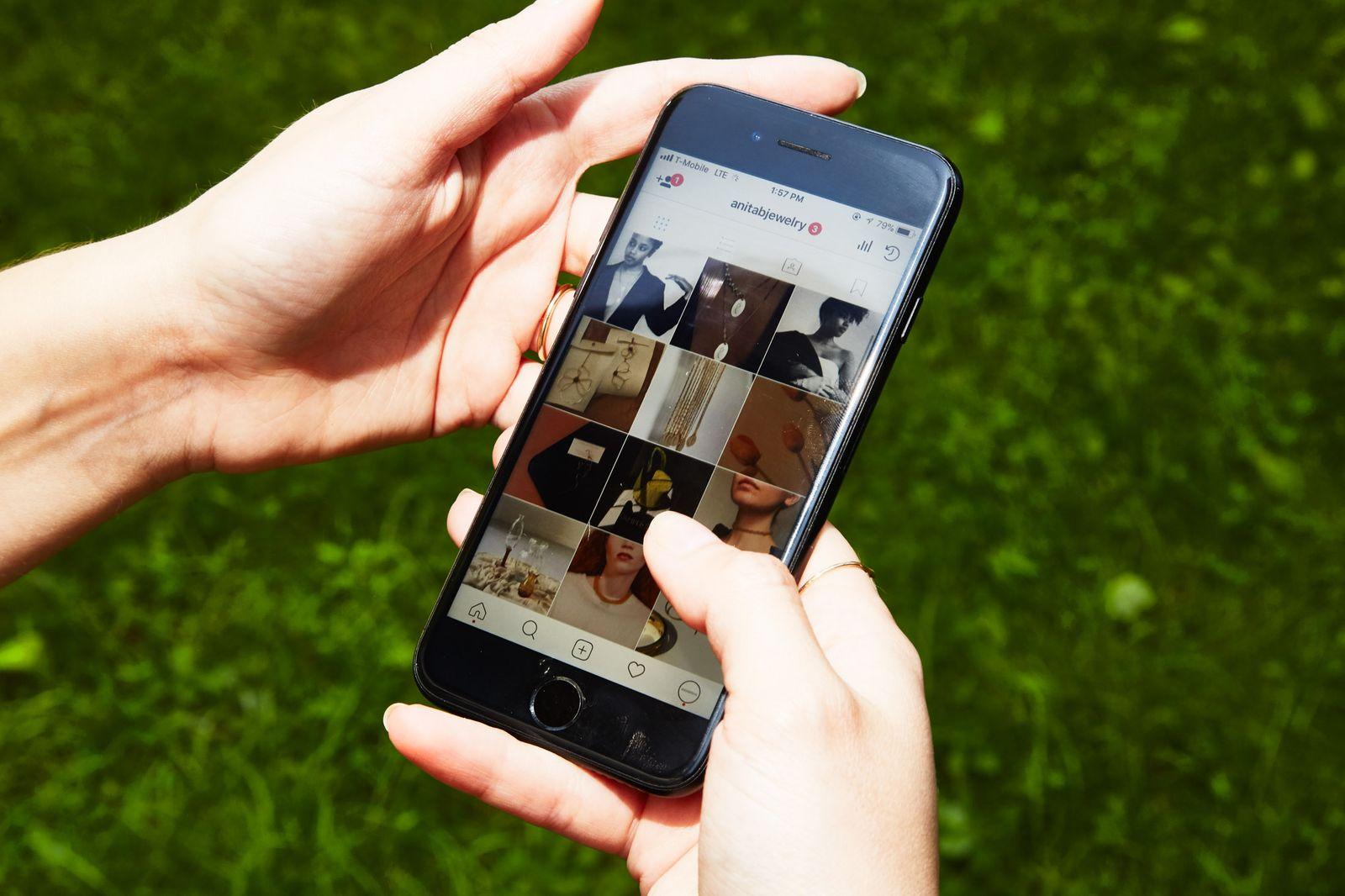 e-commerce-smartphone-1