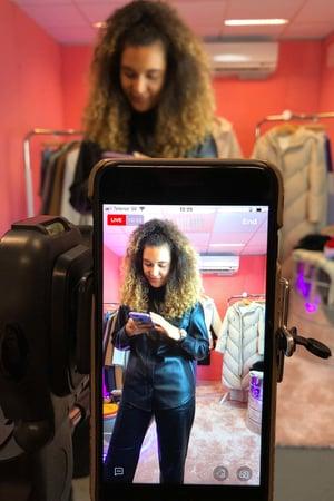 live-steam-shopping-voguebus-monki-nov-19-article